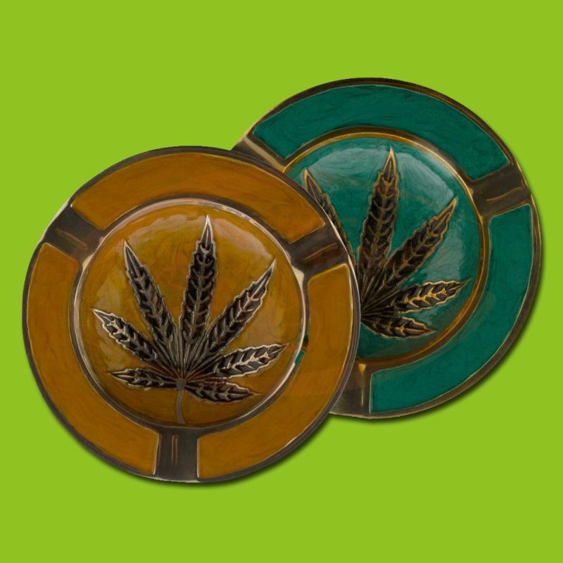 Metal ashtray Leaf