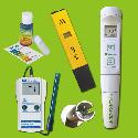 pH / EC meter